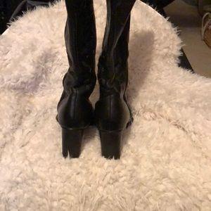Mia Shoes - Mia boots!